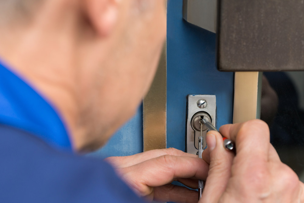 Emergency locksmith residential commercial services